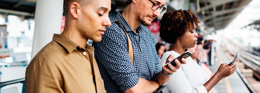como-conquistar-fieis-na-internet-pessoas-no-celular