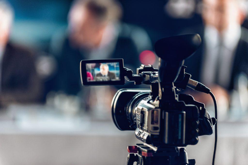 transmissao-ao-vivo-camera-filmagem